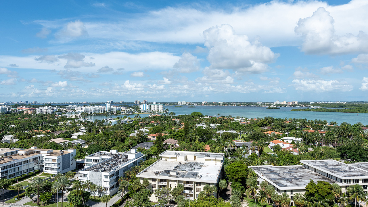 10275 Collins Ave #1524