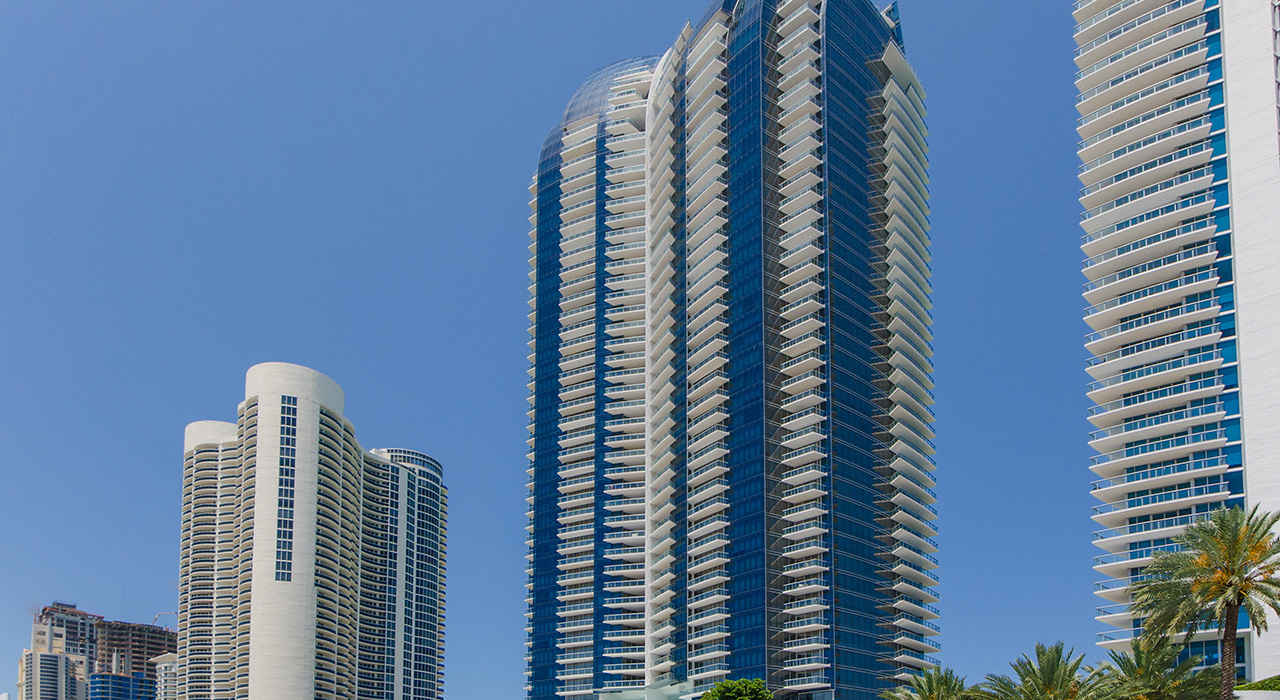 17121 Collins Ave #3006